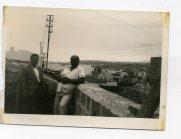 Vicente Vega Suarez, con Antonio su hermano, vista del Puerto desde la azotea... Principios de la década de 1960. Foto de Delia Vega